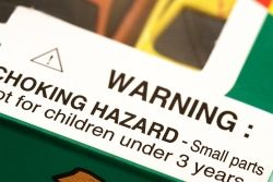 Warning label that says choking hazard